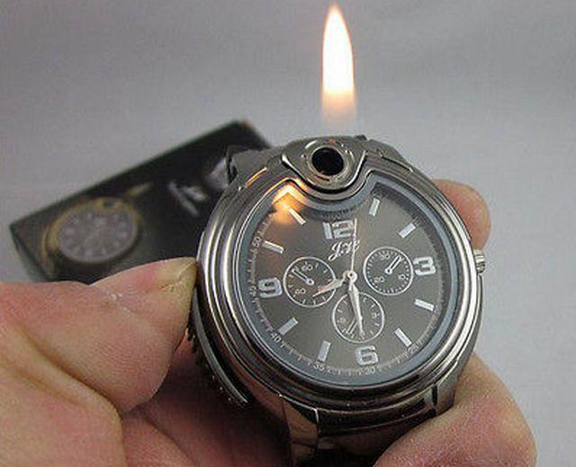 e8a72266c3d Jako asi takhle - zlaté hodinky s vodotryskem má dneska beztak kdekdo. Ale  kdo z vás může říct