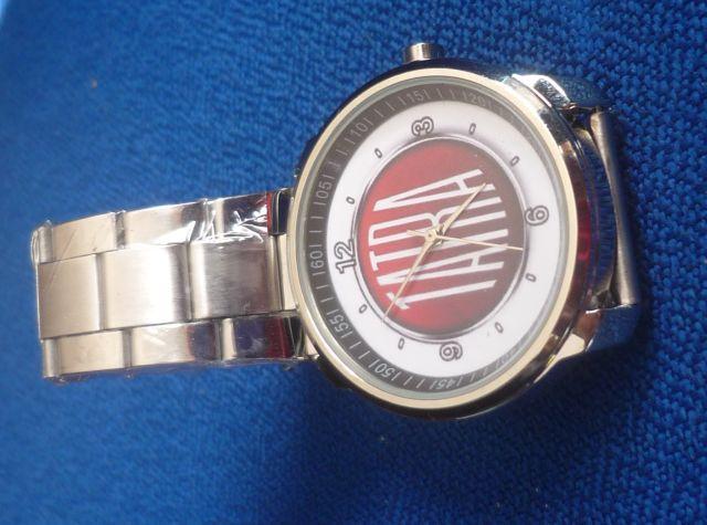 Náramkové hodinky stylizované do podoby loga automobilky TATRA Kvalitní  japonský strojek Quartz (elektronický) 4536b90262
